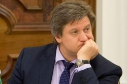 Глава Минфина пообещал разобраться с конфликтом по ввозу авто в Украину