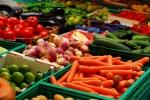 В Украине дешевеют тепличные овощи и клубника