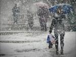 В Украине из-за непогоды остаются обесточенными 77 населенных пунктов