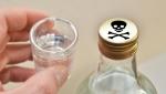 В Украине суррогатным алкоголем отравились 74 человека: 37 умерло, а выжившие - ослепли
