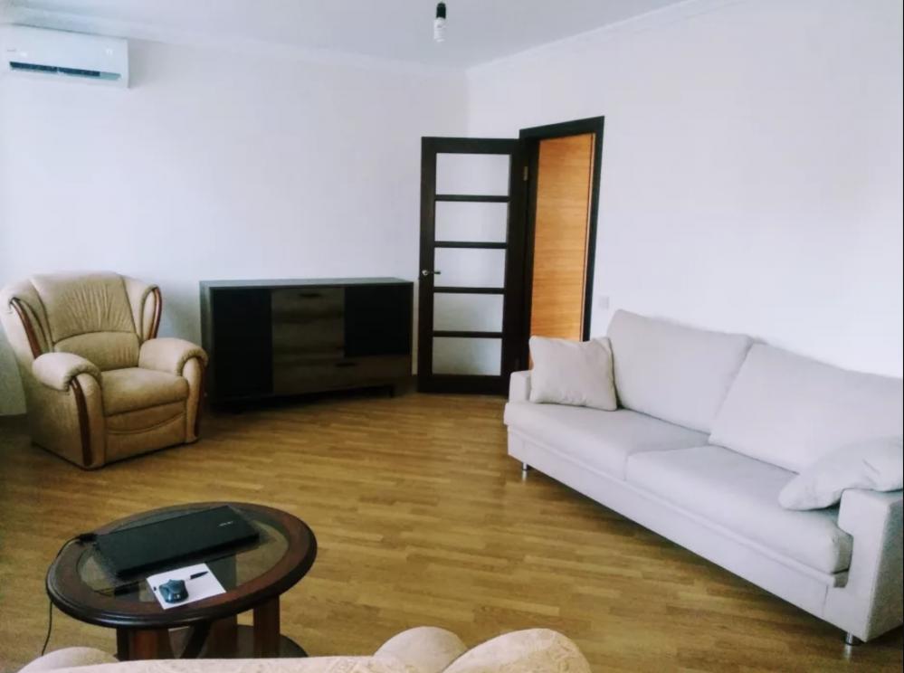 Аренда двухкомнатной квартиры для семейной пары в минуте от метро Г. Т