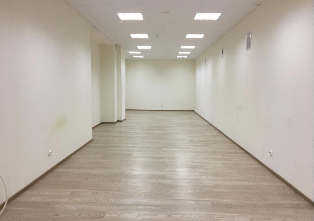 Аренда помещения свободного назначения возле кинотеатра Познань