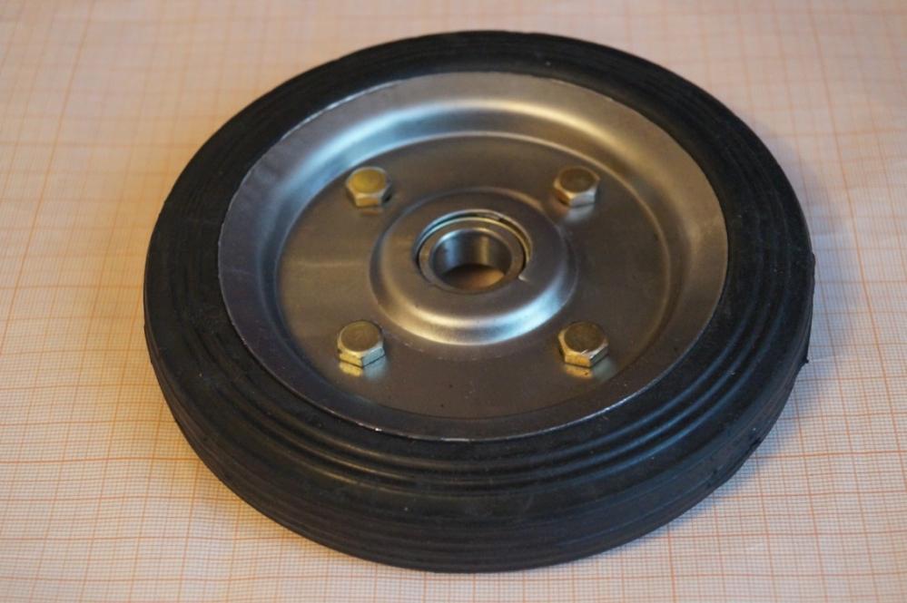 Колеса для тележек (тачек)    150 мм
