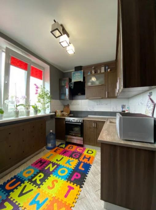 Продам 2 комнатную квартиру улучшенку с ремонтом на Северной Салтовке