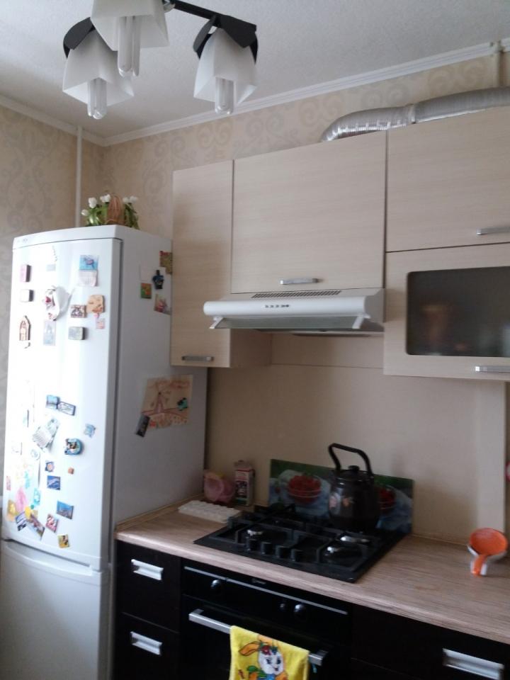 Продам 3 комнатную улучшенку на Северной Салтовке-2 ул. Метростроителе