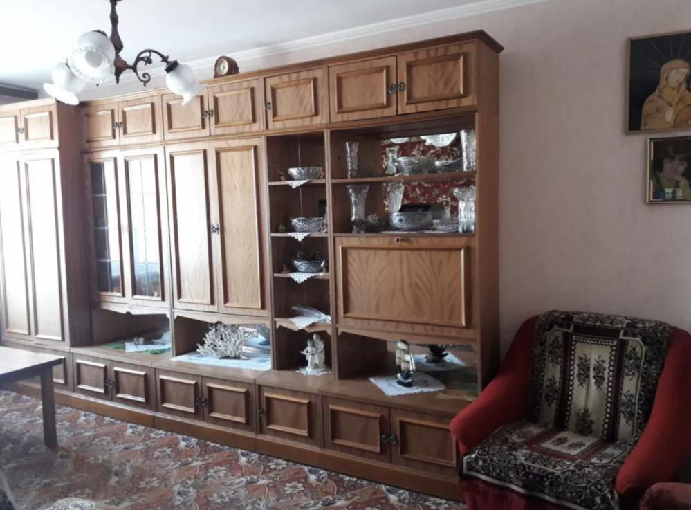 Продам уютную трехкомнатную квартирку напротив Дворца пионеров