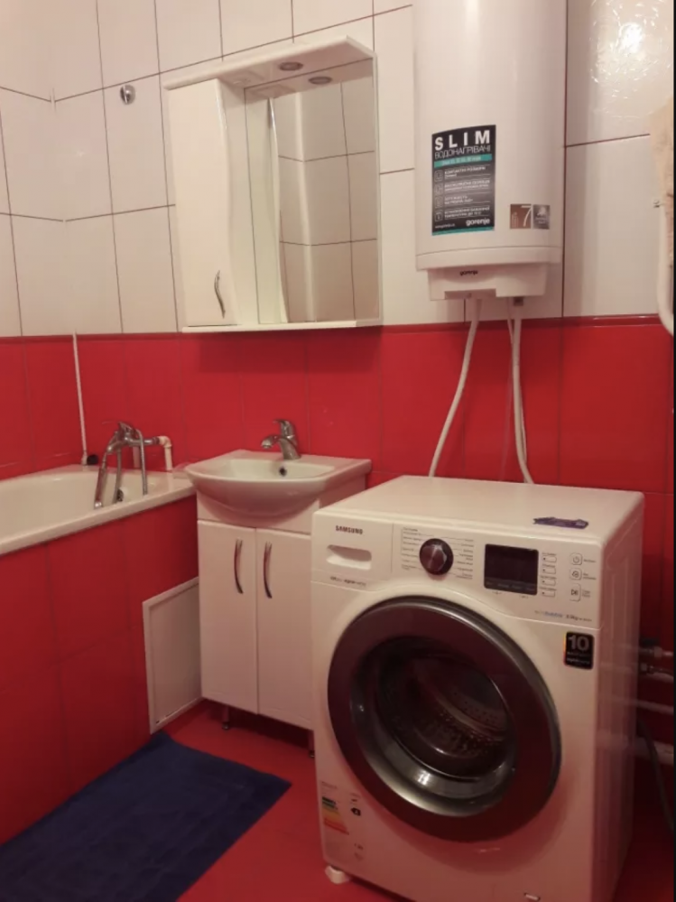 Сдам однокомнатную квартиру с ремонтом в минуте от метро Бекетова