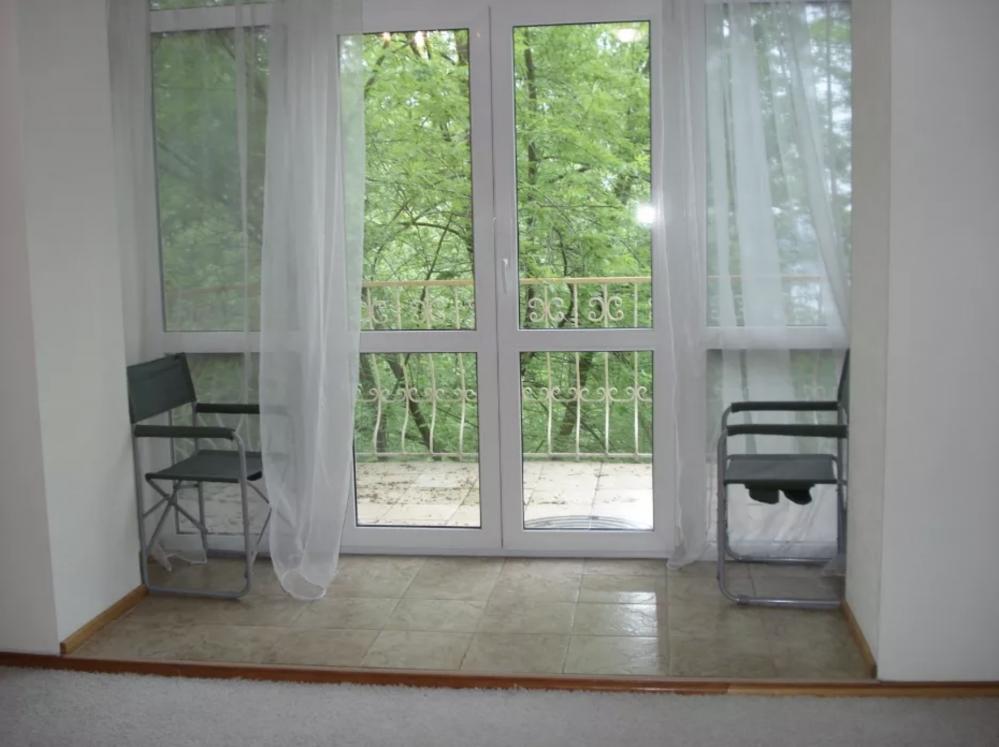Сдам уютную двухкомнатную квартиру возле метро Университет