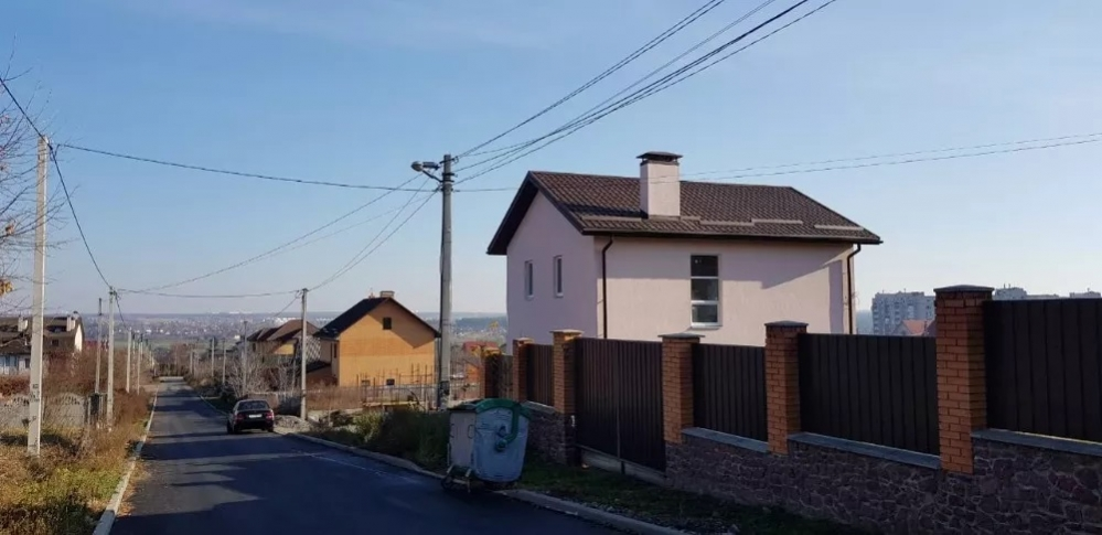Продам дом Киево  Святошинский район с. Гореничи  115 кв. м.